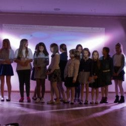 przedstawienie teatralne dzieci