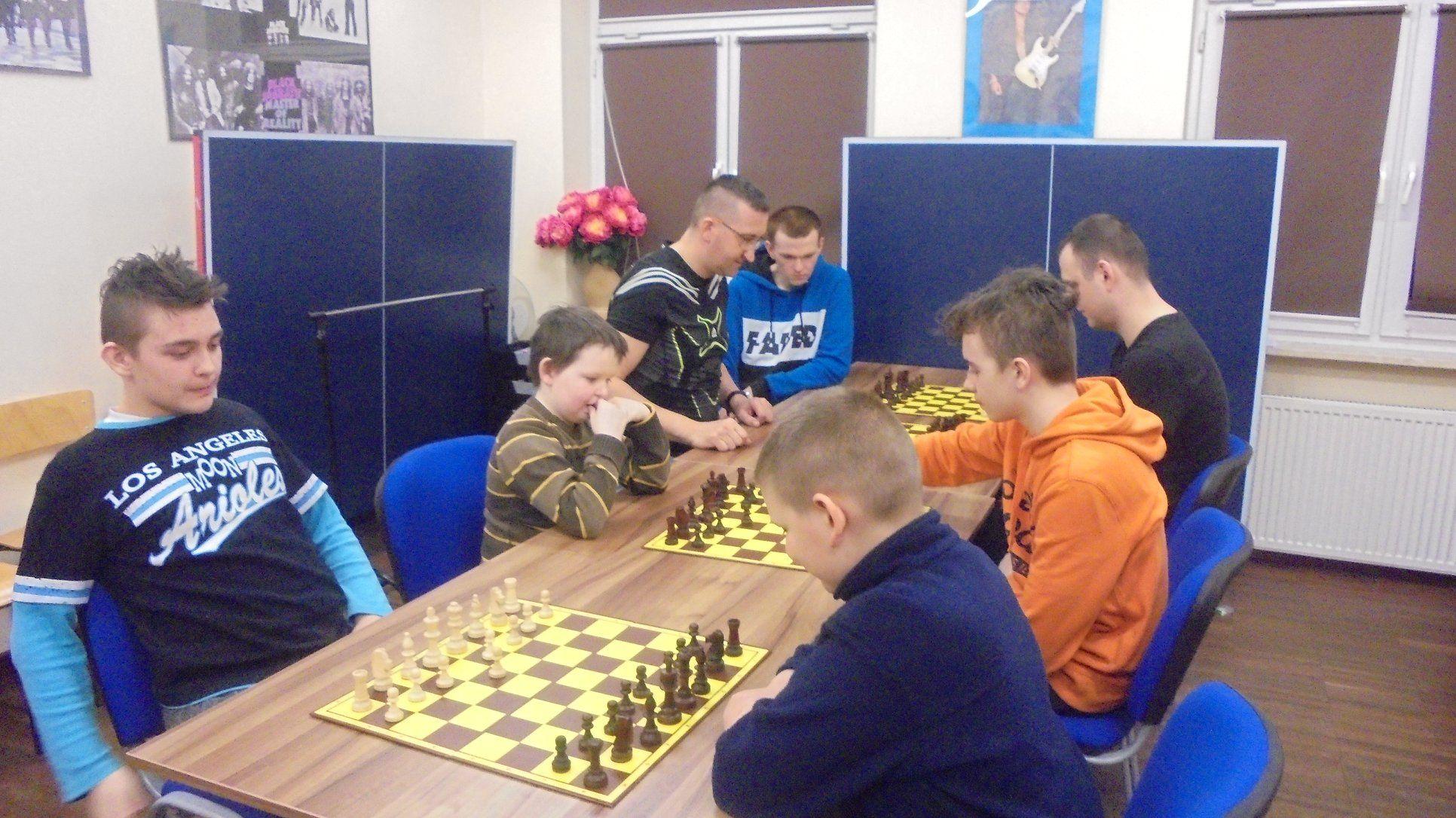 Zajęcia szachowe GOK w Michałowie